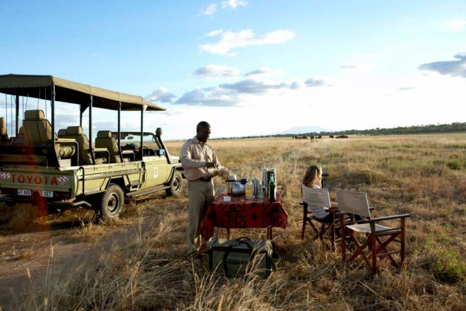 food for Safari - sundowners - Oliver's Camp